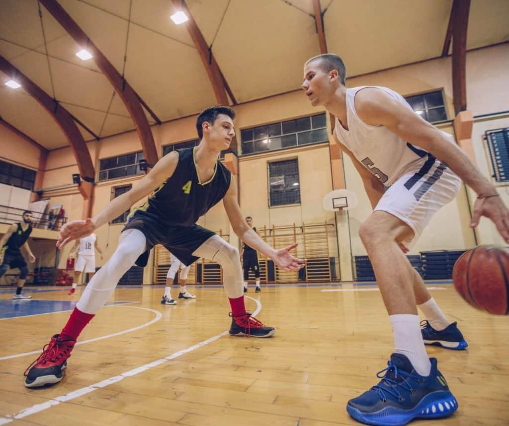 Dribble basket duel